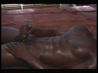 근육 질긴 아프리카의 덩어리 경련이 \u0026 cums