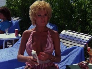레슬리 이스터 브룩 프라이빗 리조트 (1985)