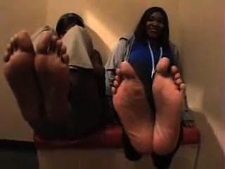 2 섹시 흑단 여자 발, 크기 10 및 반 및 크기 8 반