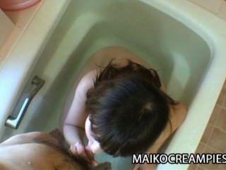 kaoru kuriyama 섹스 토이와 하드 수탉에 대한 갈망 외로운 일본 엄마