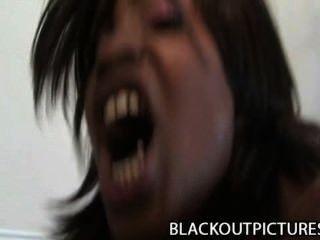 카라멜 트위스트 시끄러운 검은 암캐 지방 검은 수탉에 의해 교련 된