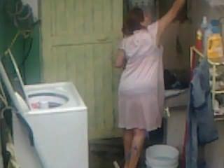 스파이 aunty 엉덩이 세척 ... 큰 엉덩이 뚱뚱한 plumper 엄마