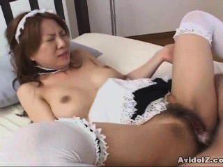무수정의 하녀 복장을 한 일본인 베이비