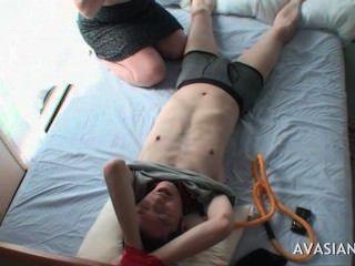 섹시 아시아 사춘기는 묶여 친구를 괴롭 히고