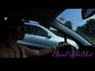 하이웨이 elisapublicslut.com에서 누드 및 공공 섹스를 운전하다