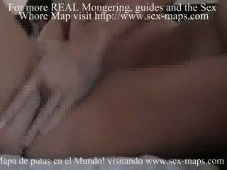 아르헨티나 창녀가 관광객을 환영하게 만든다.