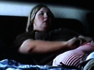 bbw 엄마는 자위하고 강렬한 오르가슴을 가지고있다.