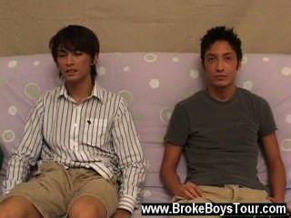 동성애자의 옆에있는 소파에 앉아 있다고 상상할 수없는 게이 영화