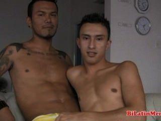 2 게이 라틴어 맨손으로 배고파