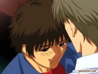 부드러운 키스를하는 헨타이 게이 커플