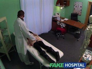 예쁜 사춘기에 fakehospital 간첩은 천천히 유혹하고 creampie를 가지고 간다