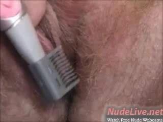 매우 뜨거운 아마추어 금발 머리카락 면도 및 웹캠에 bates