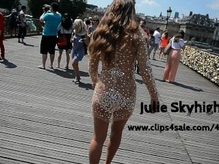 julie skyhigh 파리 : 높은 발 뒤꿈치에 공중에 transparant 드레스에서 누드