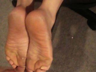 그녀의 발, 엉덩이, 혀에 질내 사정!