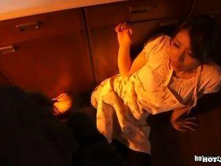 일본 여자애들이 학교에서 뜨거운 아내를 공격했다.