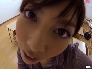 japanese girls는 침대 룸에서 매혹적인 카우걸을 유혹합니다 .avi